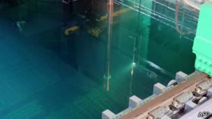 Из реакторов Фукусимы начали удалять ядерное топливо