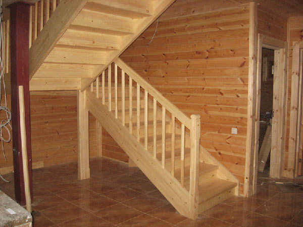 Дизайн лестница в доме на второй этаж
